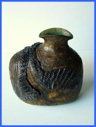 Vase design émaillé ( 1976).
